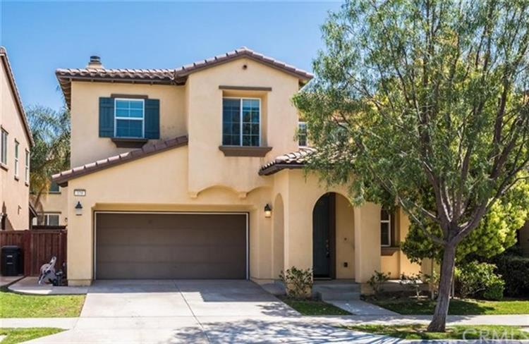 370 W Weeping Willow Avenue, Orange, CA 92865