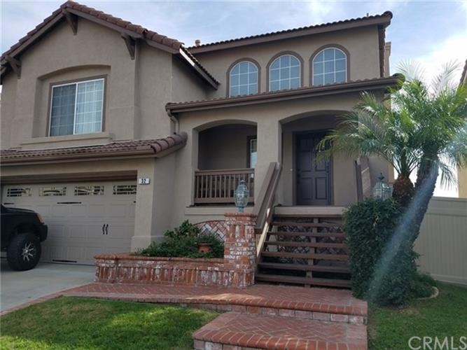 32 Carriage Drive, Lake Forest, CA 92610 - Image 1