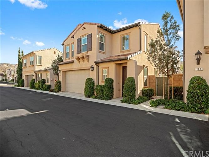 126 Desert Bloom, Irvine, CA 92618