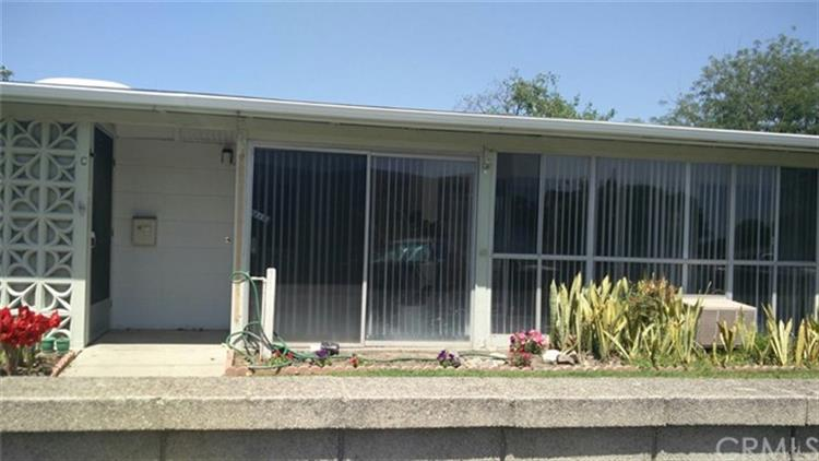 13500 WENTWORTH LN# M5-121B, Seal Beach, CA 90740