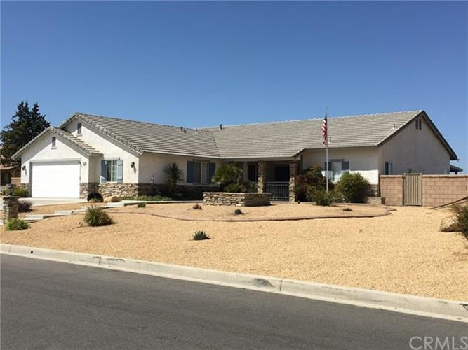 13330 Paraiso Road, Apple Valley, CA 92308