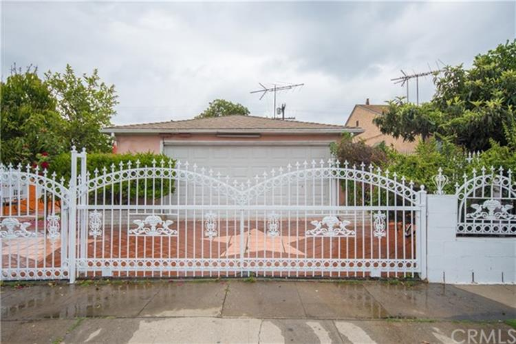 2228 S Genesee Avenue, Los Angeles, CA 90016