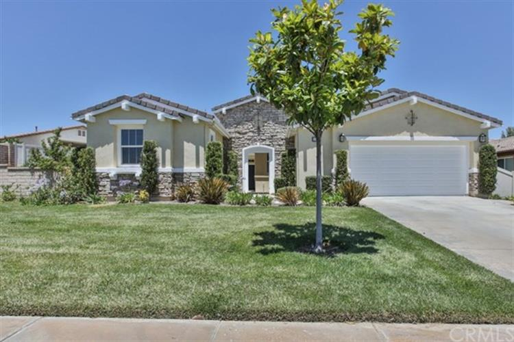 1586 Whisper Creek, Beaumont, CA 92223