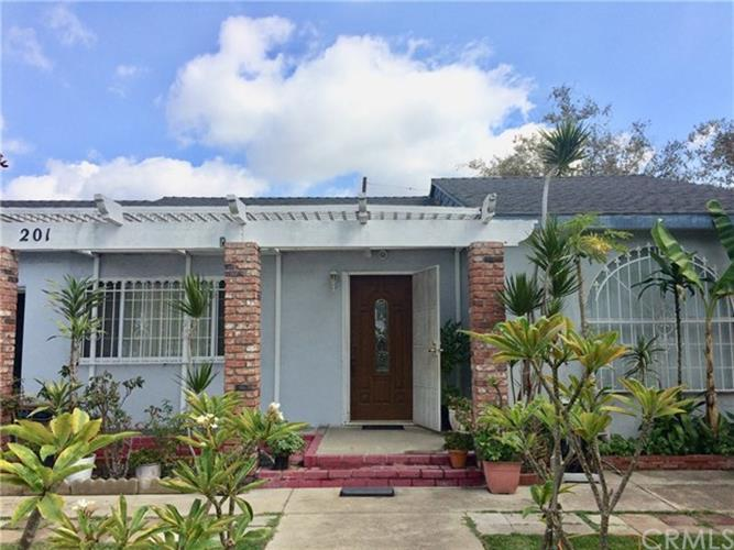 201 N Mountain View Street, Santa Ana, CA 92703