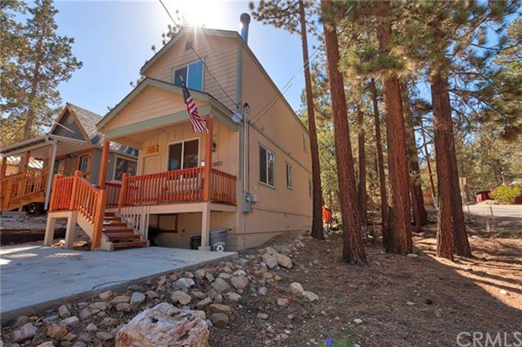 700 Cedar Lane, Big Bear, CA 92386