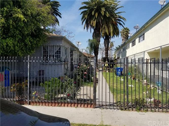 325 E 80th Street, Los Angeles, CA 90003