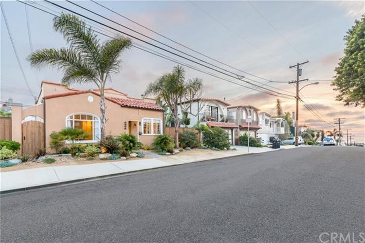 1244 2nd Street, Hermosa Beach, CA 90254