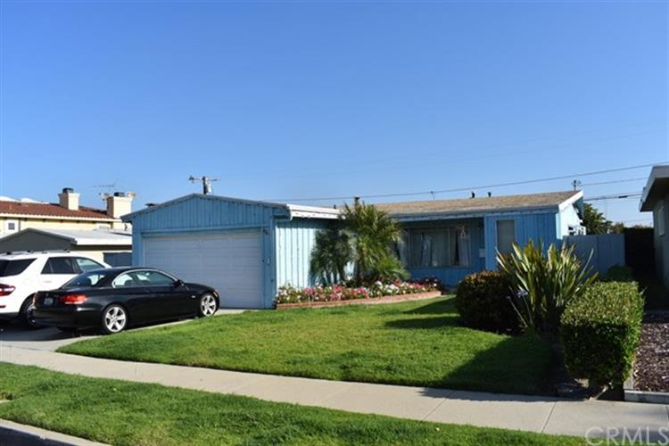 1317 Gates Avenue, Manhattan Beach, CA 90266