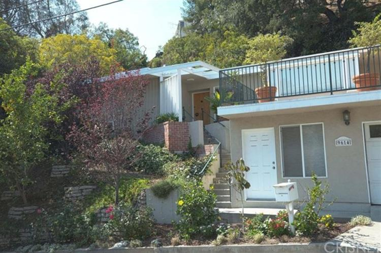 9614 Heather Road, Beverly Hills, CA 90210