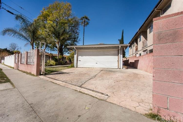 11665 Erwin Street, North Hollywood, CA 91606
