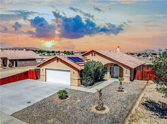 3144 Gordon Street, Rosamond, CA 93560