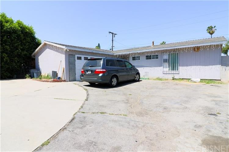 9850 Beachy Avenue, Arleta, CA 91331