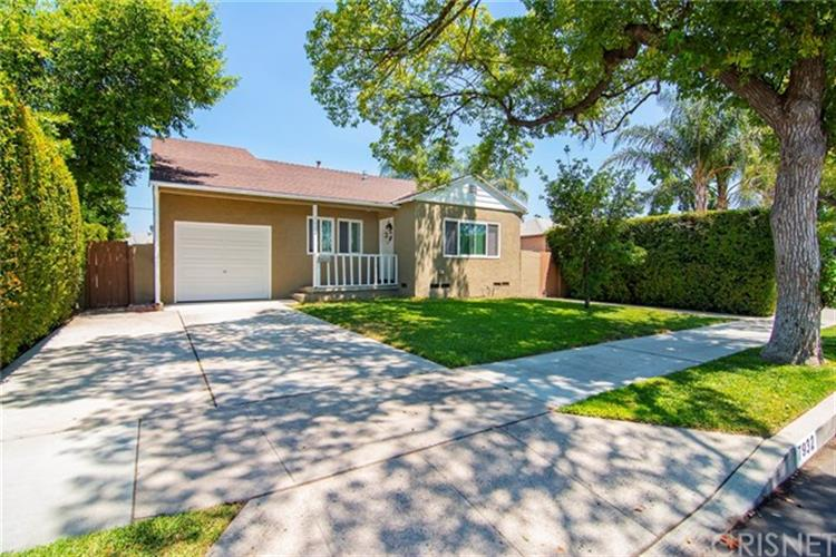 7932 Lemona Avenue, Panorama City, CA 91402
