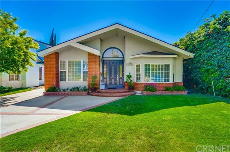 5129 Bluebell Avenue, Valley Village, CA 91607