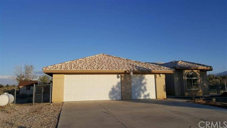 11611 Mountain Road, Pinon Hills, CA 92372 - Image 1