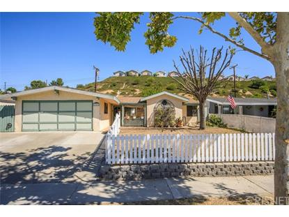 27526 Crossglade Avenue Canyon Country, CA MLS# SR19218833