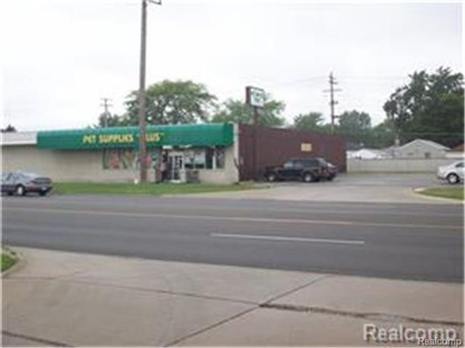 30123 Harper AVE, Saint Clair Shores, MI 48082