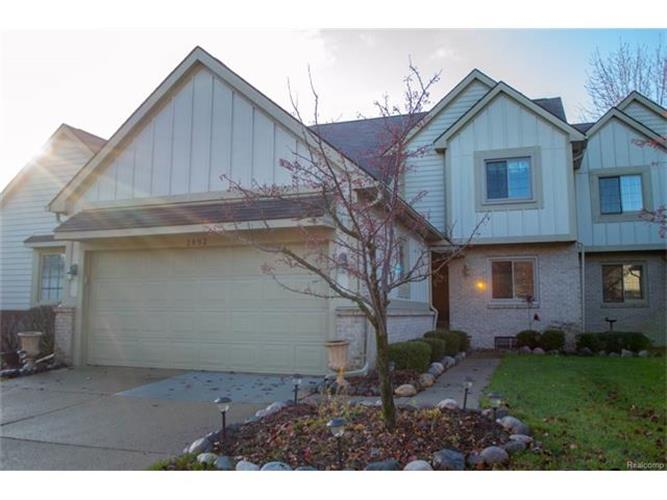 2652 MAPLE FOREST, Wixom, MI 48393