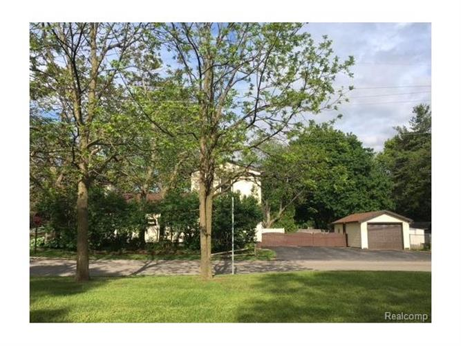 791 HEIGHTS RD, Orion Twp, MI 48362