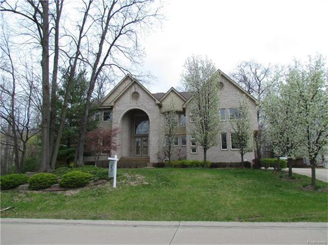 6087 OAK TRL, West Bloomfield, MI 48322