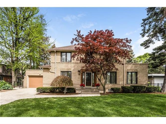 15215 WINDMILL POINTE DR, Grosse Pointe Park, MI 48230