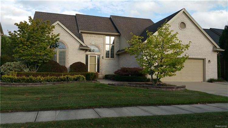 47542 WOODBERRY ESTATES DR, Macomb Twp, MI 48044