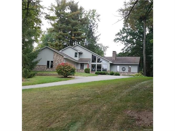 4343 ISLAND PARK DR, Waterford Township, MI 48329