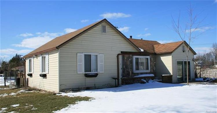 80667 SCOTCH SETTLEMENT RD, Bruce TWP, MI 48065