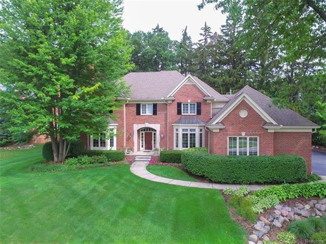 4352 Spruce Hill Lane, Bloomfield Twp, MI 48301