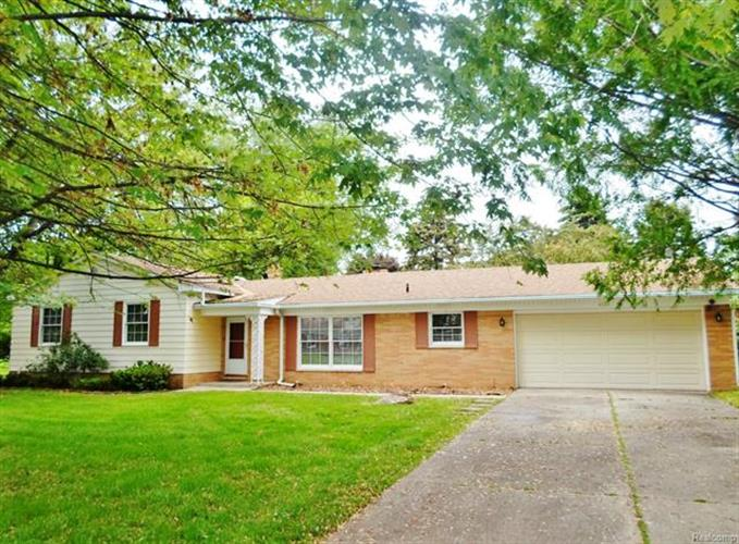 4126 WHITEBIRCH, West Bloomfield, MI 48323