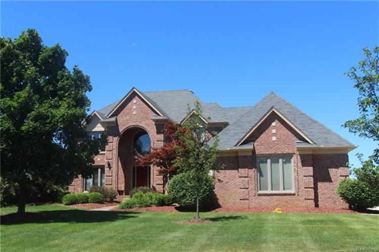 4190 OAK TREE CIR, Oakland Twp, MI 48306