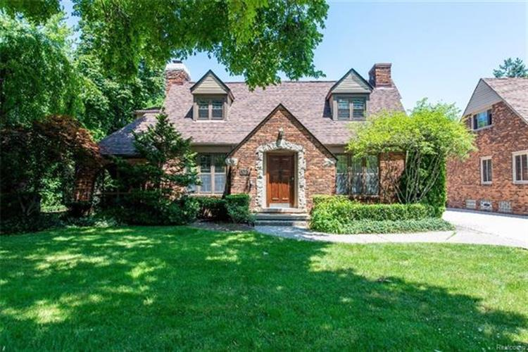 518 BARRINGTON RD, Grosse Pointe Park, MI 48230