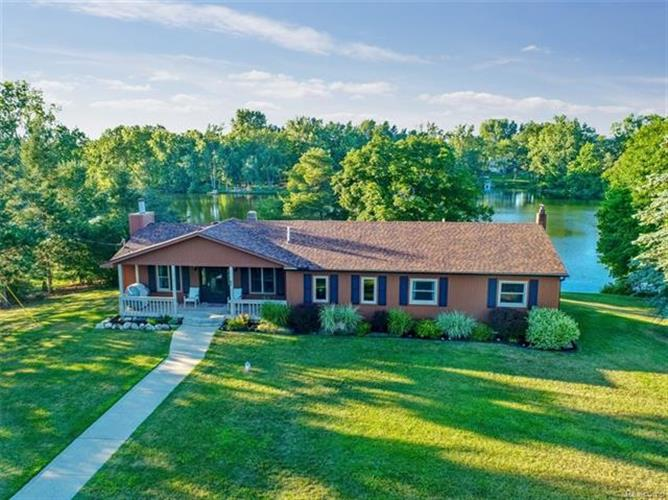 1498 Middle RD, Highland Twp, MI 48357