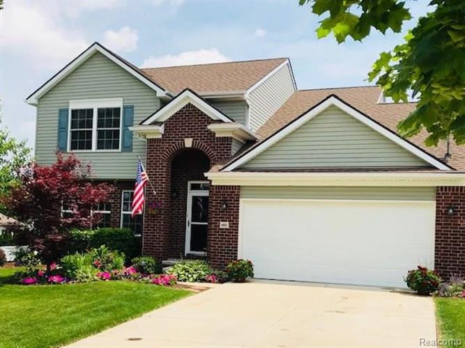 460 PRINCETON DR, South Lyon, MI 48178