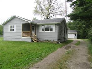 Superb 2194 Michigan Rd Port Huron Township Mi 48060 For Sale Mls 218091107 Weichert Com Home Interior And Landscaping Spoatsignezvosmurscom