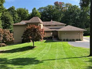 1930 Sherwood Glen, Bloomfield Hills, MI 48302