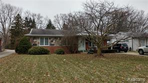 22725 LAKESHORE DR, Saint Clair Shores, MI 48080 - Image 1