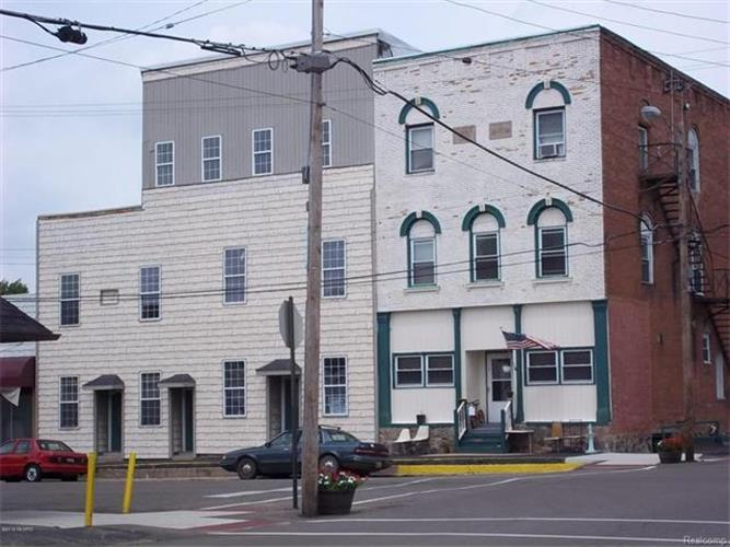 100 W Main ST, North Adams, MI 49262