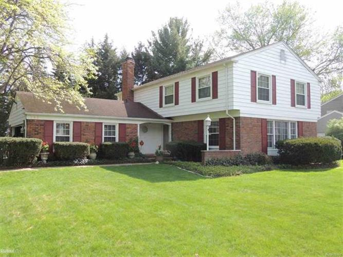 798 N SHADY HOLLOW CIRCLE, Bloomfield Hills, MI 48304