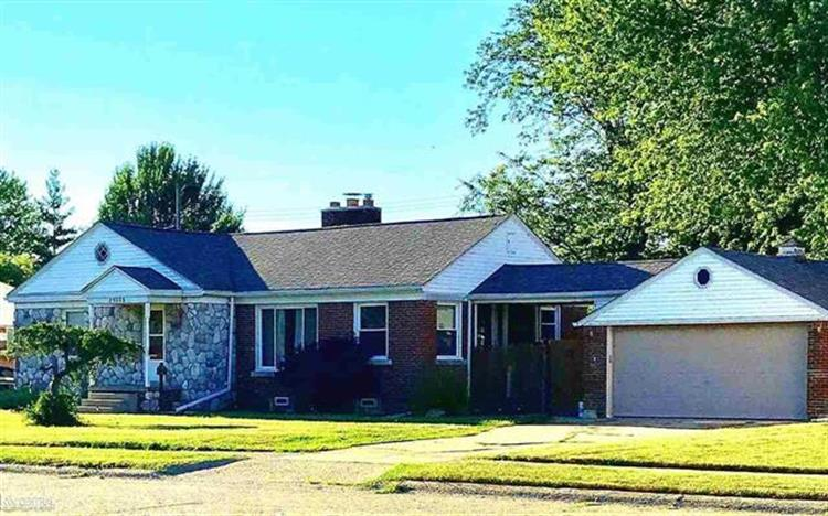 23005 LINCOLN ST, Saint Clair Shores, MI 48082