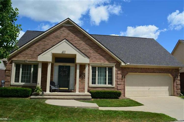 16465 SIENNA CIR, Clinton Twp, MI 48038