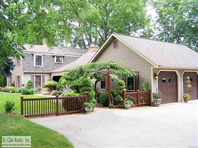 2602 N BELLE RIVER, East China Township, MI 48054