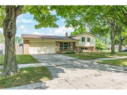 2922 WOODLAND CRT  Royal Oak, MI MLS# 218116198