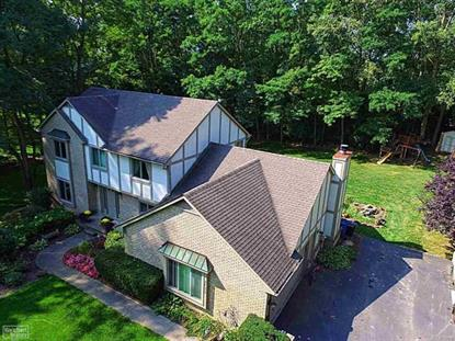 3130 TOWERING OAKS, White Lake, MI