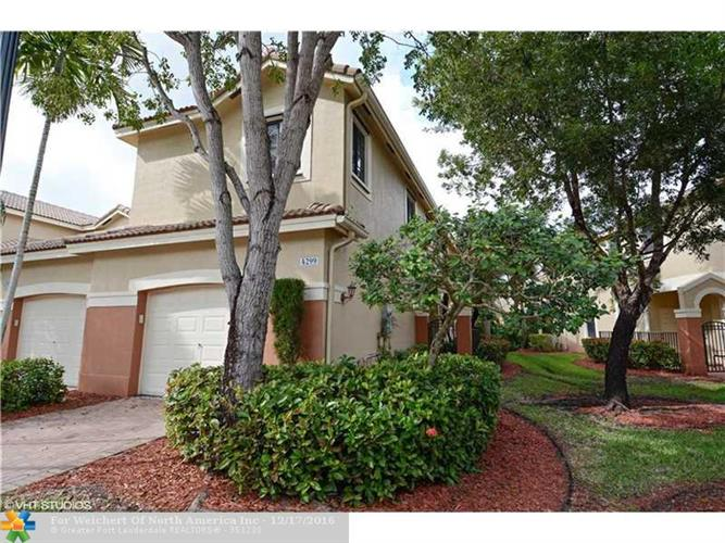 4299 Vineyard Cir # 4, Weston, FL 33332