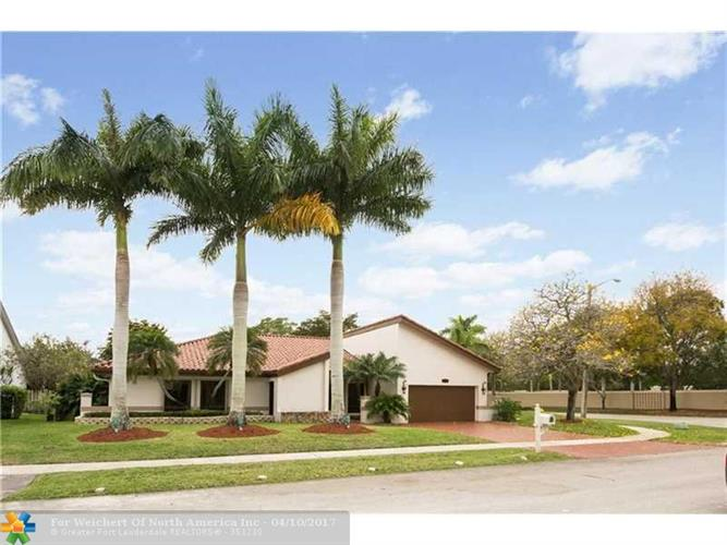 10190 SW 2nd St, Plantation, FL 33324