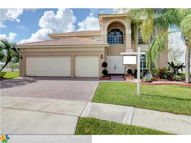 1472 NW 132nd Ave, Pembroke Pines, FL 33028