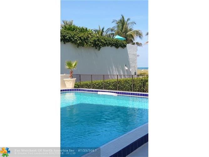 1621 Collins Ave, Miami Beach, FL 33139