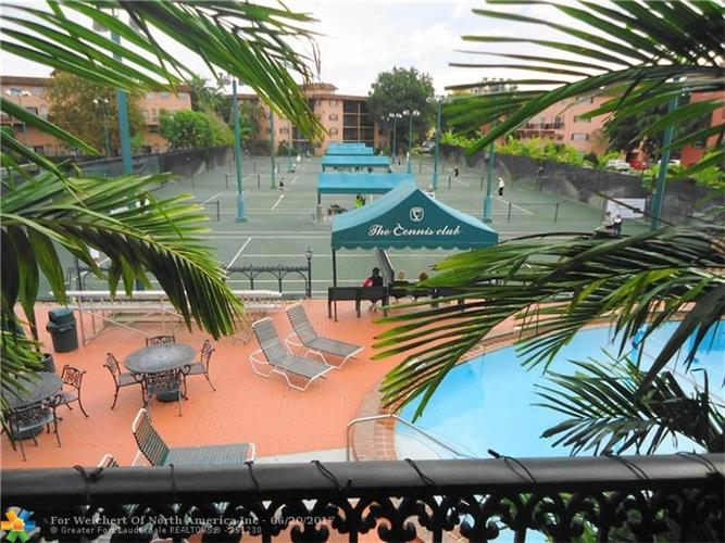 640 Tennis Club Dr, Fort Lauderdale, FL 33311