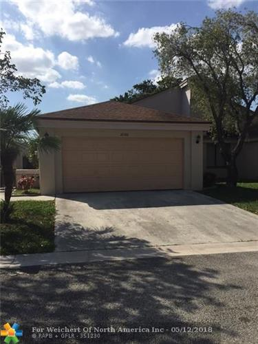 2081 NW 37th Ave, Coconut Creek, FL 33066